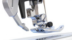 PDQ™ (PRECISION DUAL FEED QUILTING)